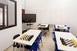 Vista general del aula de clases de ajedrez de Liceum