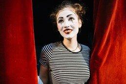 Las clases de teatro para adultos y jóvenes les ayudan a mejorar su inteligencia intrapersonal